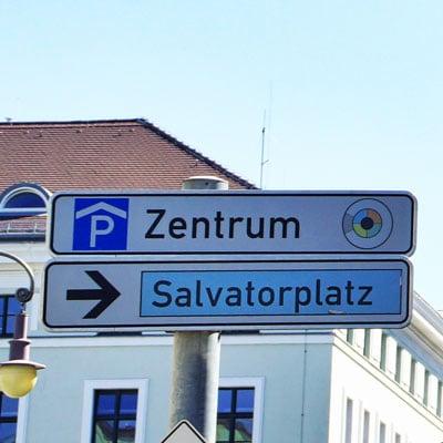 Schild-Salvatorplatz